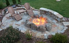 10 sizzling hot outdoor fire pit spaces