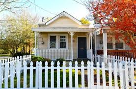 11 Tiny Homes You Can Buy Right Now For Less Than 100k Yellow Houses Cheap Tiny House Tiny House