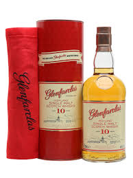 gift pack with free snood scotch whisky
