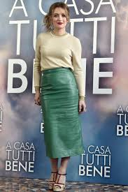 Carolina Crescentini attends A Casa Tutti Bene photocall | Green leather  skirt, Leather skirt, Skirts