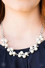 paparazzi pearl and rhinestone necklace