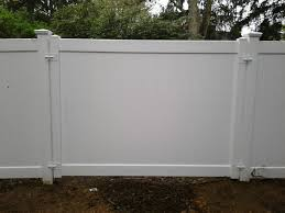 Privacy Fence With A Completely Removable 8 Foot Wide Pvc Fence Panel Installed In Syosset Ny Has Four Latches To Open And Gates And Railings Fence Pvc Fence
