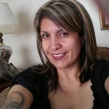 Adriana Holmes (@unosmiley) | Twitter