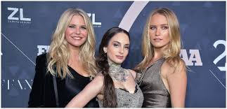 Christie Brinkley Posts Photo Of 'Moon & Sun' Daughters Alexa Ray ...