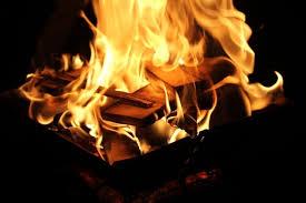 1/fゆらぎ」ふたたび~焚き火を科学する秋の日 | 防音室・防音工事は ...