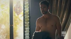 "tyrant season 1 photos   Adam Rayner shirtless in Tyrant 1-05 ""Hail Mary""    ausCAPS   Hombres, Celebridades, Deportes"