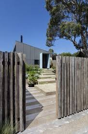 Sorrento Beach House Clare Cousins Architects Fence Vertical Fence Beach House Exterior Modern Beach House Beach House Design