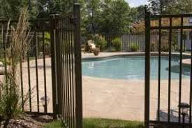 How To Find The Right Backyard Pool Fencing Clear Az Glassfencing