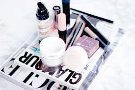 what s in my travel makeup bag glam