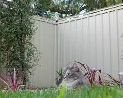Oscillot Proprietary Ltd Spinning Paddle Cat Proof Fence System