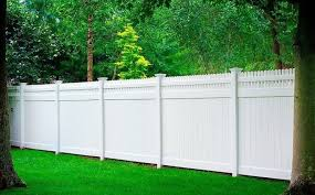 37 Amazing Privacy Fence Ideas And Design For Outdoor Space Vinyl Privacy Fence Backyard Fences Outdoor Fencing