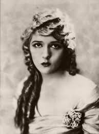 1920s hairstyles history long hair to
