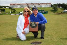 Golf champ Tom Watson pays tribute to his wife Hilary, 63, after she dies  following pancreatic cancer battle