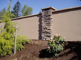 Stucco Retaining Wall Help Choose Retaining Wall Material Landscape Design Forum Backyard Fences Modern Fence Concrete Fence