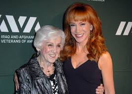 kathy griffin reveals her mother has