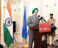 Diwali finally puts its 'stamp' on America - Rediff.com India News