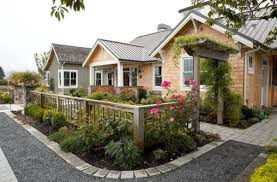 40 Front Yard Landscaping Ideas For A Good Impression Front Yard Design Farmhouse Landscaping Yard Design
