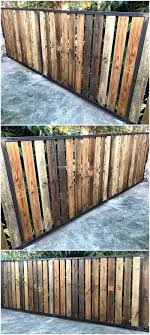 15 Pallet Fence Ideas To Improve Your Amazing Home Schutting Tuin Tuin Bestrating Tuin Afscheiding