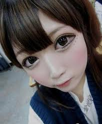 the new hot eye makeup trend no this