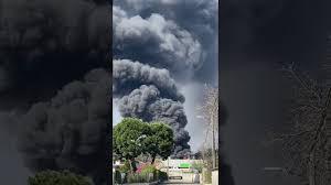VaresePress - Incendio a Cedrate, state in casa avverte il sindaco ...
