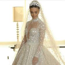 her stunning wedding dress