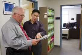 New office at UNLV stands ready to serve veterans enrolled at school - Las  Vegas Sun Newspaper