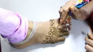 simple bridal mehndi design for legs
