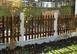 Concrete Posts And Gravel Board And Picket Fence Http Www Avsfencing Co Uk Fencing Posts Concrete Fence Design Easy Fence Front Yard Fence