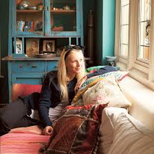 Fashionable living: Designer Savannah Miller is turning her ...