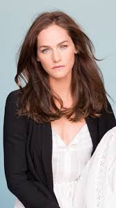 Van Helsing' SyFy Star Kelly Overton Signs With More/Medavoy ...