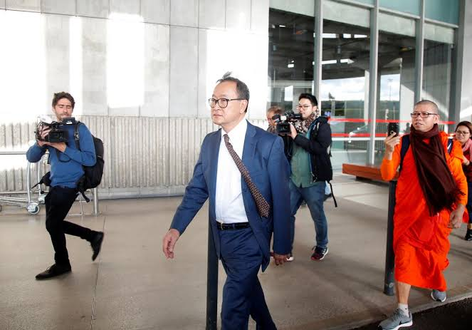 """Image result for Cambodian opposition figure Sam Rainsy boards plane in Paris"""""""