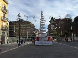 AVELLINO. Aria davvero natalizia nel corso principale. Foto - Bassa Irpinia  News - Quotidiano online