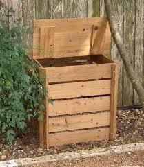 Composteur Comment Compost Fence Fence Backyard Fence Design Fence Diy Fence Ideas Reussir Son In 2020 Diy Compost Compost Bin Diy Compost Bin Pallet