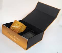 bottom gift bo for lindt chocolate