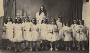 The names written on the back are Augusta Hoffman, Grace Koford, Gracie  Heyberger, Ethel Grable, Jennie San… in 2020 | Long beach washington, North  beach, Historical photos