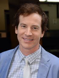 Who is Medical Police Rob Huebel Wife? Is He Married With Family