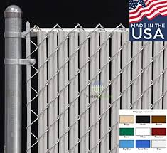 Amazon Com Fence Source Wave Slat 9 Colors Single Wall Bottom Locking Privacy Slat For 4 5 6 7 And 8 Chain Link Fence 7 Ft Gray Garden Outdoor