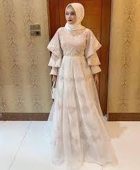 Variasi di bagian tangan yang melebar menambah kesan elegan pada gamis ini. 35 Inspirasi Model Dress Brokat Untuk Pesta Yang Modern Blog Informasi