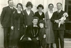 File:Dr. Ganaway Hilda King Mrs. Ganaway Sitting And Azadou ...
