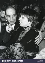 LIZA MINELLI mit Vater Vincente Minnelli über 1975 Stockfotografie - Alamy
