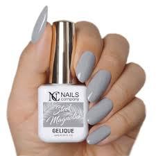 Steel Magnolia Reka Szare Paznokcie Nails Company