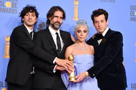 Flipboard: Lady Gaga vince il Golden Globe 2019 per Shallow e Bradley Cooper  ti incanta con il suo sguardo