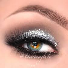 silver glitter smokey eye by triiangleh