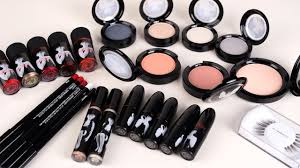 marilyn monroe makeup line mac