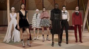 Maria Grazia Chiuri presenta la collezione Dior Haute Couture per ...