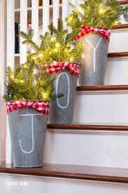 33 ideas decorating christmas stairs