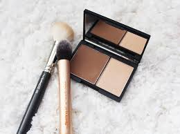 review sleek contour kit in um
