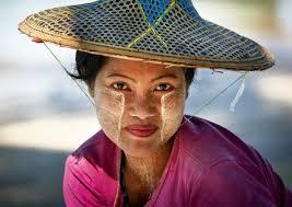 thanaka beauty treatment of myanmar
