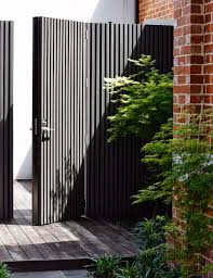 How To Choose The Best Type Of Fence For Your Home