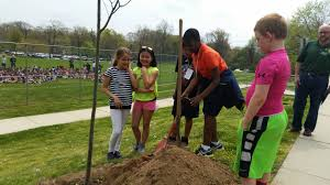 Arbor Day planting at Ann Smith School | Hillsdale Environmental ...